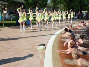 A Hungarospa Strandnyitó programjai idén is elhozzák a nyarat.