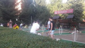 Játszótér és vidámpark Hajdúszoboszlón - minigolpálya a Mátyás király sétányon