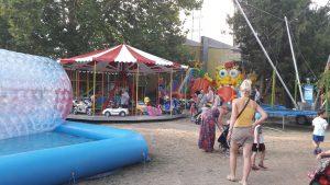 Játszótér és vidámpark Hajdúszoboszlón - minividámpark a Mátyás király sétányon